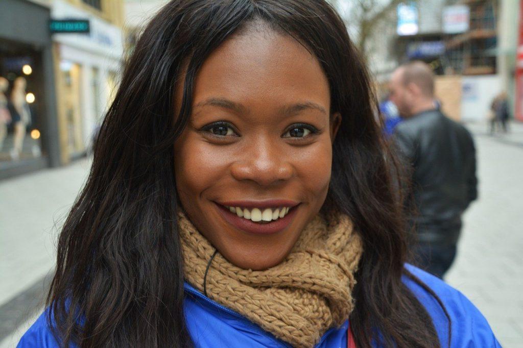 An QAfrican woman with protein rich hair